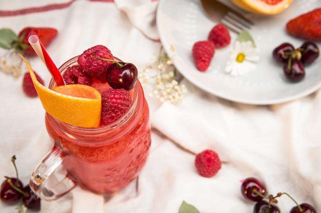 sugar lemon bar cocktail